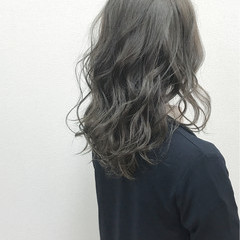 モーブ 外国人風 斜め前髪 セミロング ヘアスタイルや髪型の写真・画像