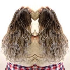 ハイトーン ロング ストリート ヘアスタイルや髪型の写真・画像
