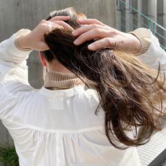 透明感カラー くすみカラー ヘアアレンジ ナチュラル ヘアスタイルや髪型の写真・画像