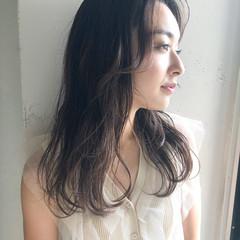 耳かけ ナチュラル レイヤースタイル モテ髮シルエット ヘアスタイルや髪型の写真・画像