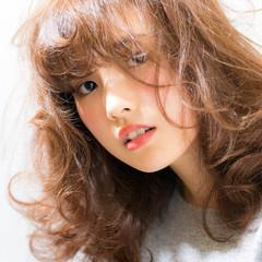 アッシュ ゆるふわ セミロング レイヤーカット ヘアスタイルや髪型の写真・画像