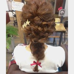 パーマ ミディアム ヘアアレンジ フェミニン ヘアスタイルや髪型の写真・画像