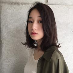 ミディアム ナチュラル 透明感 リラックス ヘアスタイルや髪型の写真・画像