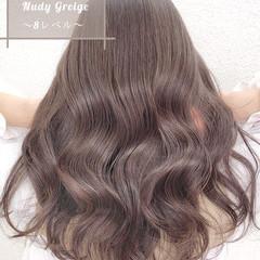 ロング イルミナカラー 透明感カラー グレージュ ヘアスタイルや髪型の写真・画像