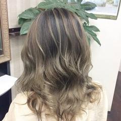 モード ミディアム ハイライト 大人ハイライト ヘアスタイルや髪型の写真・画像