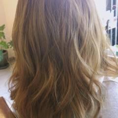 グラデーションカラー ブラウンベージュ 春 外国人風 ヘアスタイルや髪型の写真・画像