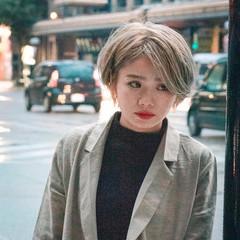 ハイトーン ミルクティーベージュ ショート ストリート ヘアスタイルや髪型の写真・画像