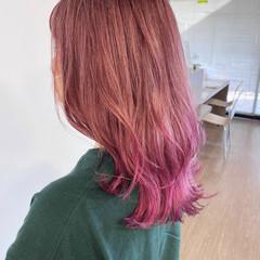 アプリコットオレンジ ナチュラル ピンク グラデーションカラー ヘアスタイルや髪型の写真・画像