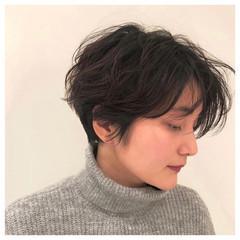 ハンサムショート ナチュラル ショートヘア ハンサムバング ヘアスタイルや髪型の写真・画像