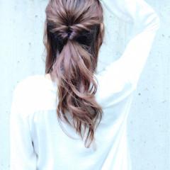 大人女子 フェミニン ヘアアレンジ ナチュラル ヘアスタイルや髪型の写真・画像