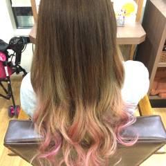 ロング グラデーションカラー カラーバター ヘアスタイルや髪型の写真・画像