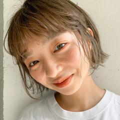 ハイトーンカラー ミニボブ ショートヘア ミルクティーベージュ ヘアスタイルや髪型の写真・画像