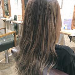 外国人風カラー ロング ストリート アッシュグレージュ ヘアスタイルや髪型の写真・画像
