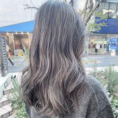 レイヤーロングヘア ナチュラル ハイライト ロング ヘアスタイルや髪型の写真・画像