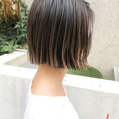 ストリート ボブ 切りっぱなしボブ インナーカラー ヘアスタイルや髪型の写真・画像