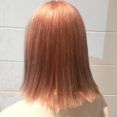 ミディアム ボブ ストリート ハイトーン ヘアスタイルや髪型の写真・画像