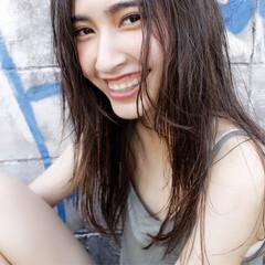ストリート セミロング 暗髪 外国人風 ヘアスタイルや髪型の写真・画像