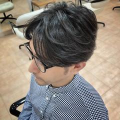メンズ ショート ナチュラル ツーブロック ヘアスタイルや髪型の写真・画像