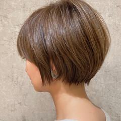 ナチュラル 丸みショート 大人ハイライト ハイライト ヘアスタイルや髪型の写真・画像