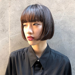 フェミニン ボブ 切りっぱなし モード ヘアスタイルや髪型の写真・画像