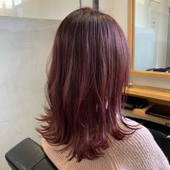 ピンク セミロング ガーリー デザインカラー ヘアスタイルや髪型の写真・画像