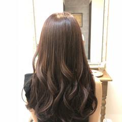オフィス デート 艶髪 フェミニン ヘアスタイルや髪型の写真・画像