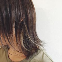 ボブ 外ハネ インナーカラー ハイライト ヘアスタイルや髪型の写真・画像