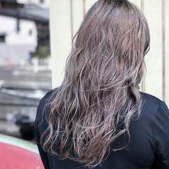 セミロング モード ダブルカラー インナーカラー ヘアスタイルや髪型の写真・画像