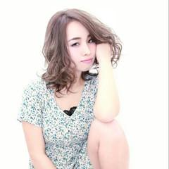 ミディアム ハイライト 春 アッシュ ヘアスタイルや髪型の写真・画像