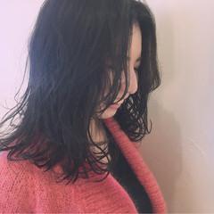 ニュアンス ミディアム 小顔 束感 ヘアスタイルや髪型の写真・画像
