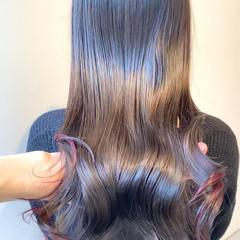 ピンクアッシュ ナチュラル インナーカラー ベリーピンク ヘアスタイルや髪型の写真・画像