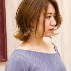レイヤースタイル エアリー フェミニン オレンジベージュ ヘアスタイルや髪型の写真・画像