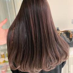 ロング ベリーピンク モテ髪 ガーリー ヘアスタイルや髪型の写真・画像