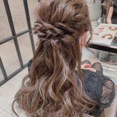 フェミニン ハーフアップ 結婚式ヘアアレンジ 二次会ヘア ヘアスタイルや髪型の写真・画像