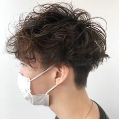 ナチュラル スパイラルパーマ くせ毛風 メンズパーマ ヘアスタイルや髪型の写真・画像