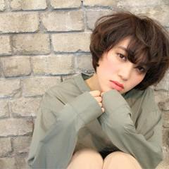 小顔 透明感 アッシュ マッシュ ヘアスタイルや髪型の写真・画像