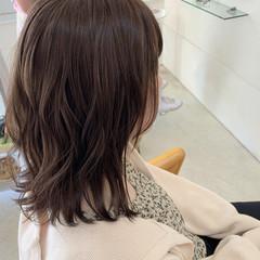 デート オフィス ボブ 外ハネボブ ヘアスタイルや髪型の写真・画像