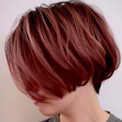 ベリーピンク ショートボブ ボブ 色気 ヘアスタイルや髪型の写真・画像