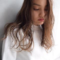大人かわいい ロング ストレート 外国人風 ヘアスタイルや髪型の写真・画像