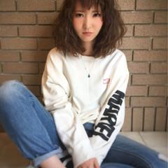 波ウェーブ 女子会 ミディアム ストリート ヘアスタイルや髪型の写真・画像