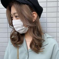 流し前髪 フェミニン ふんわり前髪 韓国風ヘアー ヘアスタイルや髪型の写真・画像