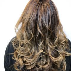ブリーチオンカラー 西海岸風 ロング ゆるふわセット ヘアスタイルや髪型の写真・画像
