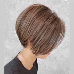 ナチュラル ハイライト ショートヘア 大人ハイライト ヘアスタイルや髪型の写真・画像