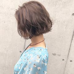 外ハネボブ フェミニン デート パーマ ヘアスタイルや髪型の写真・画像