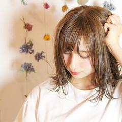 デート 女子会 フェミニン ミディアム ヘアスタイルや髪型の写真・画像