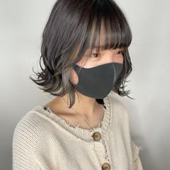 ミニボブ 切りっぱなしボブ ショートヘア ナチュラル ヘアスタイルや髪型の写真・画像