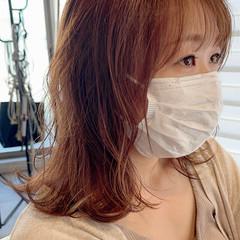 ブリーチカラー コントラストハイライト 大人ハイライト ミディアムレイヤー ヘアスタイルや髪型の写真・画像