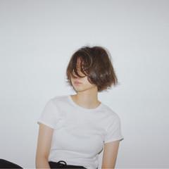 リラックス ストリート アッシュ ショート ヘアスタイルや髪型の写真・画像