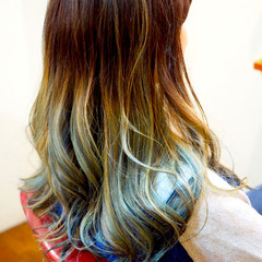ストリート カラフルカラー グラデーションカラー セミロング ヘアスタイルや髪型の写真・画像