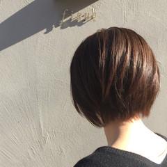 似合わせ フェミニン ショートボブ ベージュ ヘアスタイルや髪型の写真・画像